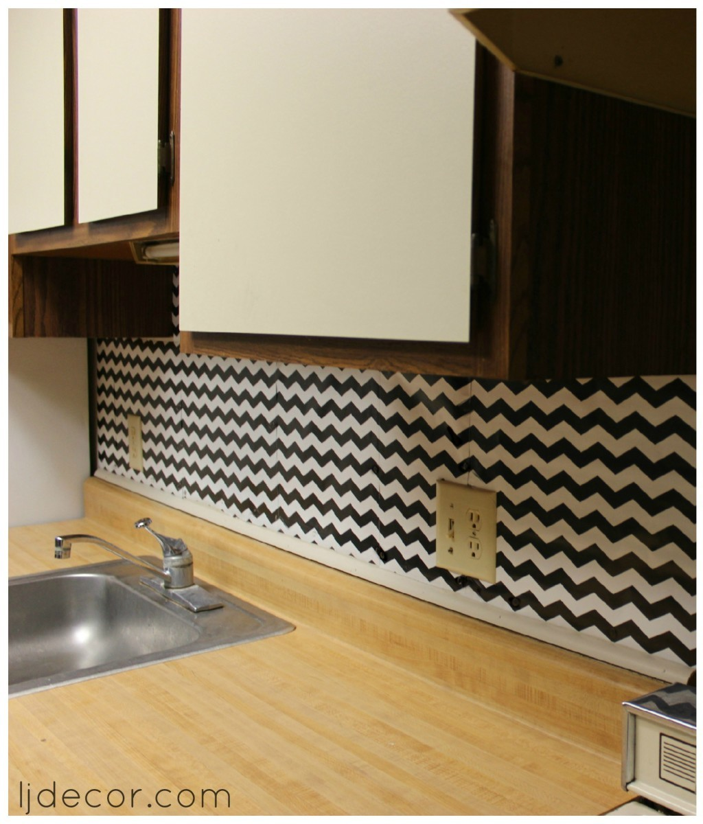 apartment living temporary backsplash ljdecor